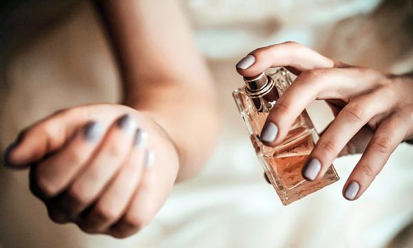 5 dicas para acertar na hora de usar perfume
